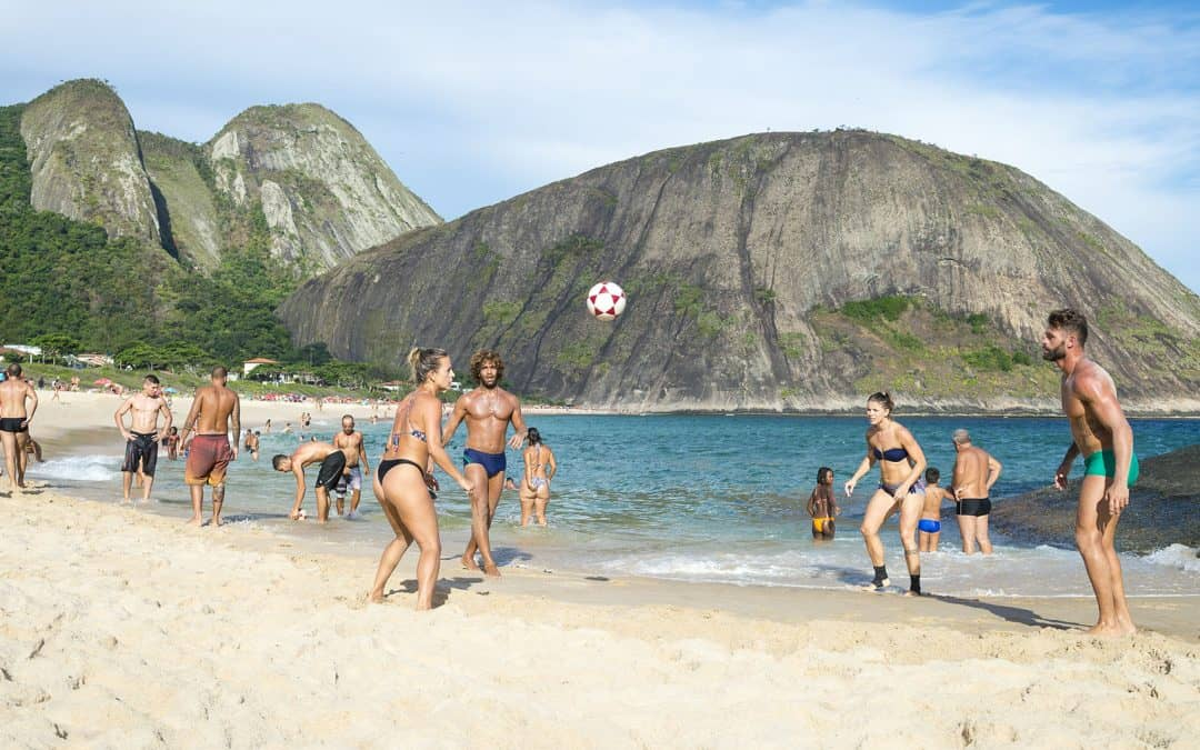 How to get from Rio to the Paradise Surfer Beach called Itacoatiara in Niteroi